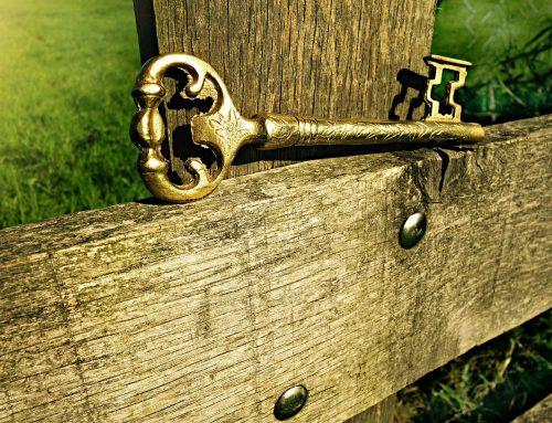 Usar llaves como amuleto de la suerte