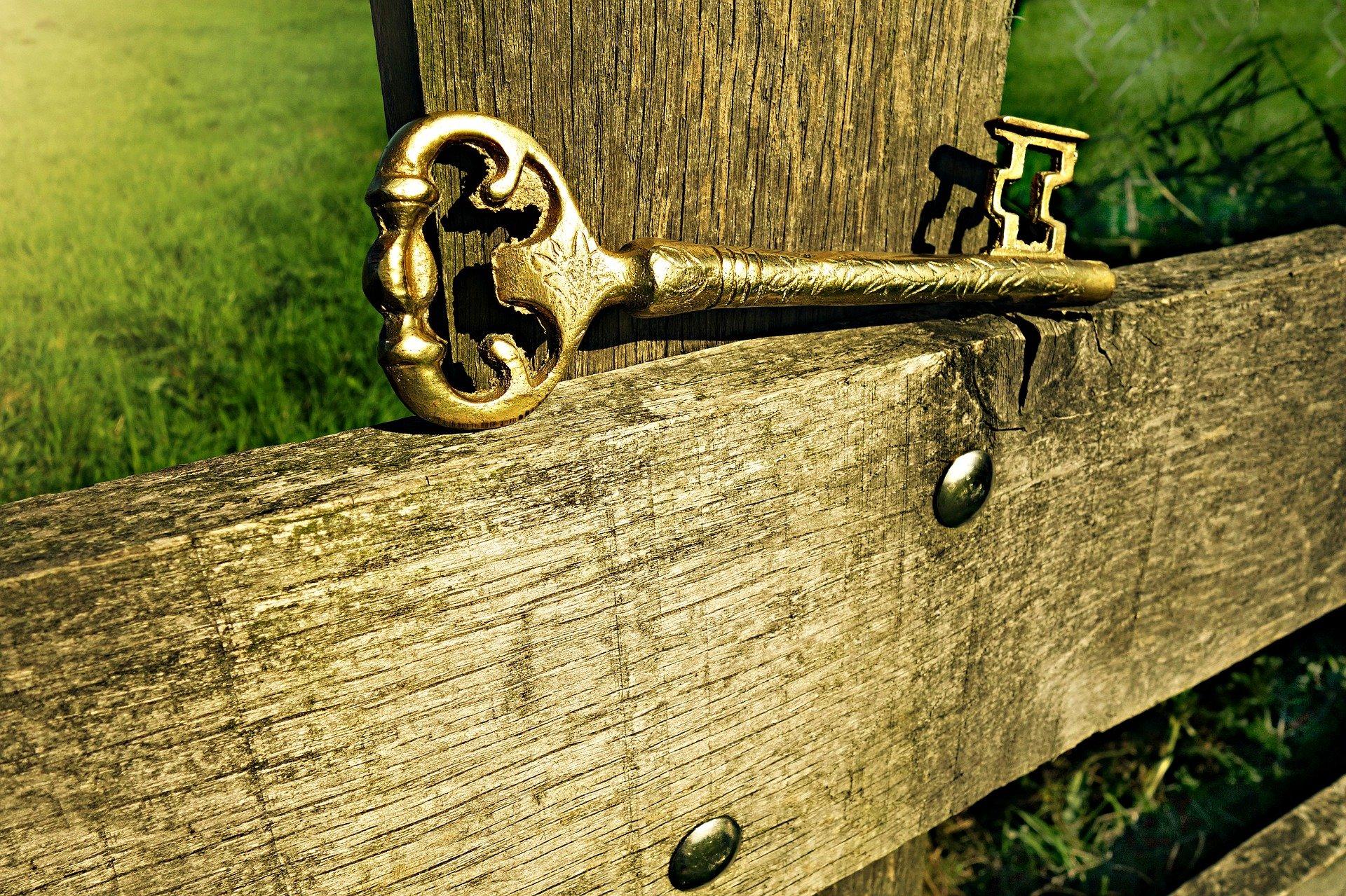 amuleto con llaves